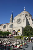 Graduação de CUA na basílica/santuário na C.C. Imagens de Stock Royalty Free