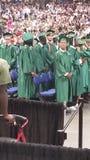 Graduacion. Multitud de estudiantes hraduandoce de la escuela Royalty Free Stock Photos