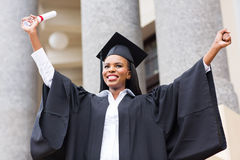 Graduado afroamericano de la hembra Imagenes de archivo