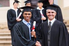 Graduado con el decano Foto de archivo libre de regalías