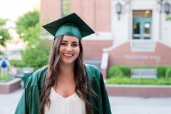 Graduado de la universidad en campus en Oregon Imagen de archivo