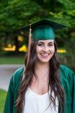 Graduado de la universidad en campus en Oregon Imagenes de archivo
