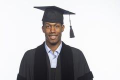 Graduado de universidad afroamericano joven, horizontal imágenes de archivo libres de regalías
