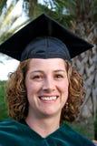 Graduado orgulloso de la hembra Foto de archivo libre de regalías