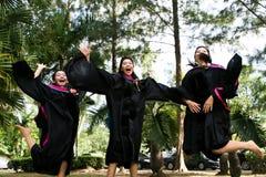 Graduados de la universidad Fotos de archivo