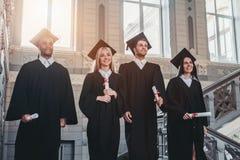 Graduados en universidad fotografía de archivo