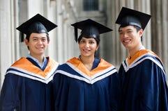 Graduados en vestíbulo Imagen de archivo libre de regalías