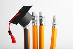 Graduatie GLB op potloden Het onderwijs, studie en leert concept stock foto's
