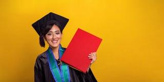 Graduatiedag, gele banner stock afbeeldingen