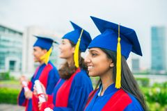 Graduiert von der Universität stockbild