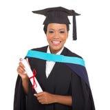 graduiertes haltenes Zertifikat Lizenzfreie Stockfotos