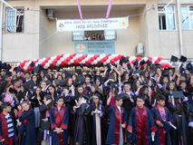 Graduierungsfeier in der Schule in der Türkei Stockbild