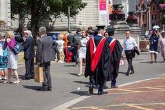 Graduierungstag in Cardiff, Wales, Großbritannien Stockbilder