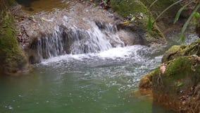 Graenggravia-Wasserfall, Sangkhlaburi-Bezirk, Kanchanaburi-Provinz Thailand stock video footage
