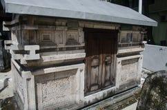 Graf bij begraafplaats Malives Stock Afbeelding