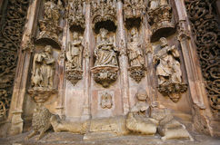 Graf van Koning Sancho I in Klooster van Santa Cruz (Coimbra) royalty-vrije stock foto's