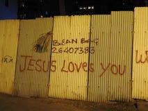 Graffit-Kunst in kleinen Wegen Mumbais, Bandra Stockfotografie