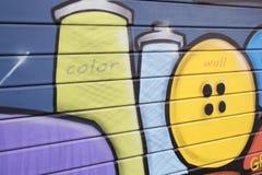 Graffiti auf dem Fensterladen Lizenzfreie Stockbilder
