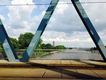 Graffiti auf der Brücke Stockbild