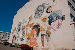 Graffiti auf der Wand eines Gebäudes in der Stadt Campeche, Zeichnungsporträts von Leuten San Francisco de Campeche, Mexiko stockbild