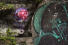 Graffiti auf Felsen Lizenzfreies Stockbild