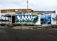 Graffiti auf Gebäudewänden Stockfoto