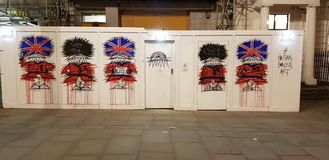 Graffiti Beefeater di Londra fotografie stock libere da diritti