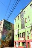 Graffiti Colourful Valparaiso della via nel Cile fotografia stock libera da diritti