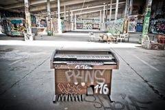 Graffiti dans l'entrepôt Photos libres de droits