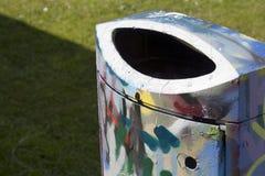 Graffiti de poubelle de déchets Photo stock