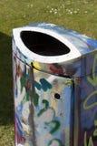Graffiti del bidone della spazzatura Immagini Stock Libere da Diritti