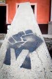 Graffiti del pugno di vittoria Fotografia Stock Libera da Diritti