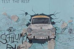 Graffiti della galleria lato est/del muro di Berlino Fotografie Stock Libere da Diritti