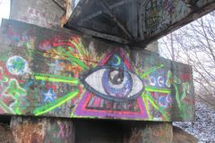 Graffiti dichtbij een oud station royalty-vrije stock fotografie