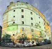 Graffiti, die in Osteuropa buiding sind Lizenzfreie Stockfotografie