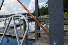 Graffiti am Dock Stockfoto