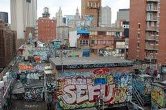 Graffiti en stedelijke vloek in de Stad van New York Royalty-vrije Stock Afbeelding