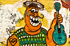 Graffiti gemalt auf der breackwater Wand an Kanal O Stockfoto