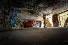 Graffiti i widoki zaniechany miasto Consonno Lecco, Ita zdjęcie royalty free