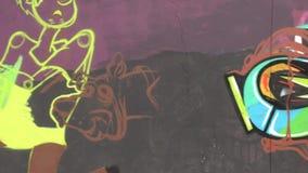 Graffiti, Kunstwerk, Schilderijen, Muurschilderingen stock videobeelden