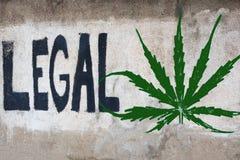 Graffiti mit der Mitteilung, zum des Hanfs zu legalisieren Stockbild