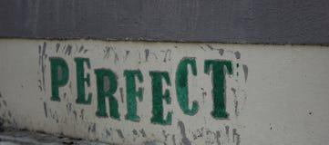 Graffiti na popielatej ścianie Obraz Royalty Free