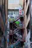 Graffiti nei vicoli di Melbourne CBD immagini stock libere da diritti