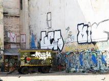 Graffiti nel cortile di Leopoli, Ucraina, il 3 settembre 2011 Fotografia Stock Libera da Diritti