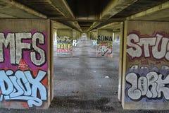 Graffiti onder de weg Stock Fotografie