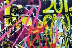 Graffiti op de muur in het vleetpark stock fotografie