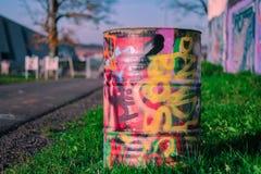Graffiti op een metaalvat Stock Afbeeldingen