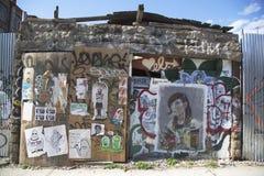 Graffiti an Ost-Williamsburg-Nachbarschaft in Brooklyn, New York Stockfotos