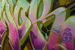 Graffiti Pod Brid?owi Jaskrawi kolory obraz royalty free
