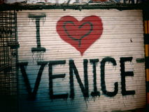 Graffiti in spiaggia di Venezia  Immagine Stock Libera da Diritti